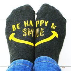 Essere Happy Socks  essere felice e Smile  di SparksClothingShop