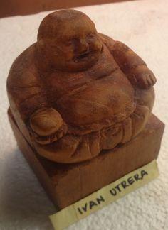 Buda tallado en madera de cedro