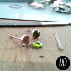 Swarovski Olivine - Baño de oro #mini #studs #green