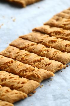 Yksi parhaista - Wilhelmiina-keksit munattomina - Suklaapossu Easy Baking Recipes, Cookie Recipes, Sweet Bakery, Sweet Cookies, Sweet Pastries, Let Them Eat Cake, I Love Food, Sweet Tooth, Food And Drink
