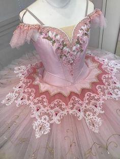 バレエレンタル衣裳-プレミアムコスチュームコレクション<11/20(水)更新>|チャコット Nutcracker Costumes, Tutu Costumes, Ballet Costumes, Ballet Tutu, Ballet Dancers, Ballet Wear, Dance Outfits, Dance Dresses, Party Dresses