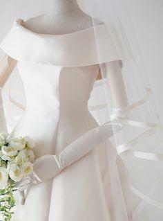 Bohemian Wedding Dresses, Princess Wedding Dresses, Dream Wedding Dresses, Wedding Gowns, Wedding Dress Sleeves, One Shoulder Wedding Dress, Perfect Bride, White Mini Dress, Vintage Skirt