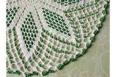 White crochet lace doily / center piece with green glass beads via Etsy Crochet Dollies, Crochet Art, Crochet Home, Crochet Crafts, Crochet Projects, Seed Bead Patterns, Doily Patterns, Beading Patterns, Crochet Patterns