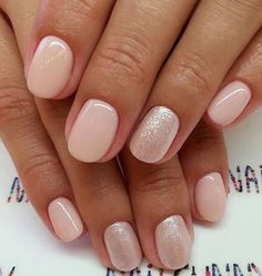 Pretty blush and glitter nail art design #nailart #nails