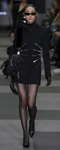 Alexander Wang Fall-winter 2018-2019 - Ready-to-Wear - http://www.orientpalms.com/Alexander-Wang-7098 - ©ImaxTree