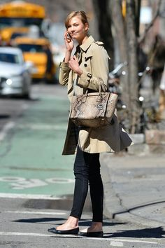 Best Dressed - Karlie Kloss in a Burberry trench