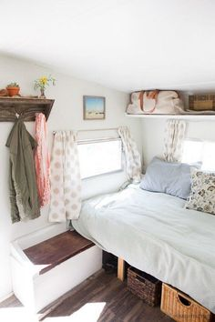cool RV Hacks, Remodel and Renovation: 99 Ideas That Will Make You a Happy Camper http://www.99architecture.com/2017/02/25/rv-hacks-remodel-renovation-99-ideas-will-make-happy-camper/