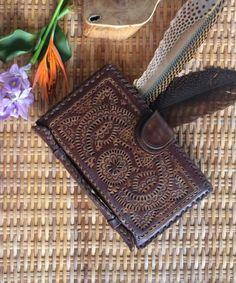 Billeteras de cuero / carpeta de cuero de las mujeres / bolso de cuero / embrague cartera /Organizer de cuero de InfinityWears en Etsy https://www.etsy.com/es/listing/268797098/billeteras-de-cuero-carpeta-de-cuero-de