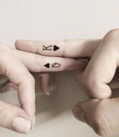 If you've been thinking about getting a tattoo, but are keen to opt for something subtle, then a delicate finger tattoo could be just for you.