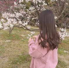 Images and videos of ulzzang girl Peach Aesthetic, Aesthetic Japan, Korean Aesthetic, Flower Aesthetic, Aesthetic Grunge, Aesthetic Girl, Mode Ulzzang, Ulzzang Korean Girl, Cute Korean Girl