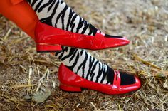 In the wild with the Zebra socks. Funky Socks, Crazy Socks, Wild Fashion, Wild Style, Sock Shoes, Cleats, Rubber Rain Boots, What To Wear, Walking