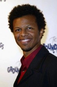 Phil Lamarr Hairstyle, Makeup, Suits, Shoes, Perfume - http://www.celebhairdo.com/phil-lamarr-hairstyle-makeup-suits-shoes-perfume/