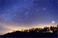 夜 星空 night sky star Night Sky Stars, Night Skies, Milky Way, Northern Lights, Universe, Mountains, Nature, Travel, Lenses