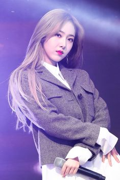 Kpop Girl Groups, Korean Girl Groups, Kpop Girls, Sinb Gfriend, Gfriend Sowon, Pop Kpop, Korean Girl Band, Evisu, Bias Kpop