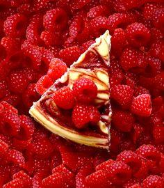 Buttercream Blondie: Flirt With Desserts » Blog Archive » Raspberry Swirl Cheesecake