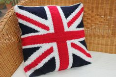 This is a stylish knitted union jack cushion cover made from a good premium acrylic chunky yarn that has a lovely soft feel. The cushion depicts the