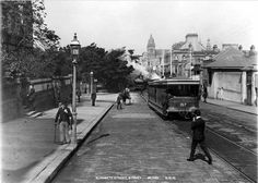 Elizabeth St,Sydney in 1892 looking towards Hyde Park Time In Sydney, Sydney City, Elizabeth Street, Historical Images, Historical Architecture, Newcastle, East Coast, Old Photos, Street View