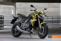 The fastest And Most Extreme Streetfighter Motorcycles In The World - Page 5 of 12 - Gleems Triumph Speed Triple 1050, Triumph Street Triple, Honda Motorbikes, Cb 1000, Street Fighter Motorcycle, R Wallpaper, Honda Cb, High Quality Images, World