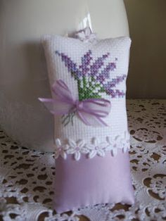 I love lavender. My sister in Brazil loves it too. I am sending her a late birthday gift, and decided to include a lavender sachet. Lavender Crafts, Lavender Bags, Lavender Sachets, Lavender Cottage, Cross Stitching, Cross Stitch Embroidery, Embroidery Patterns, Cross Stitch Patterns, Mini Cross Stitch