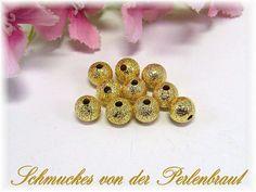 50 Stardust Perlen Metallperlen 6mm, Farbe gold von Schmuckes von der Perlenbraut auf DaWanda.com