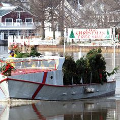 Christmas Tree Ship    Vermilion, Ohio