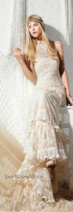 Sin duda, los vestidos de novia bohemios de Cris Yolan son sencillamente espectaculares. Tienen algo especial que...