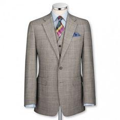 Хотите купить идеально сидящий костюм? Мужское ателье Императорский портной специализируется на индивидуальном пошиве классических мужских костюмов в Киеве из английских и итальянских тканей высшего качества