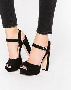 Sandales à plateforme - Noir Chaussure A Talon Noir, Chaussure Femme  Escarpin, Chaussure Mode bf323e80699b