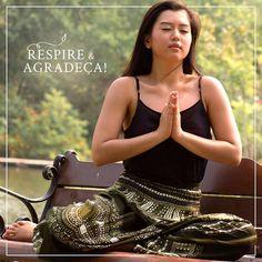 Como a nossa foto mesmo já diz tire um tempinho do dia de hoje para refletir e agradecer pelo que você é grato. #calçathai #verde #calçatailandesa #atitude #agradecimento #modacomcausa #reflexão #budismo