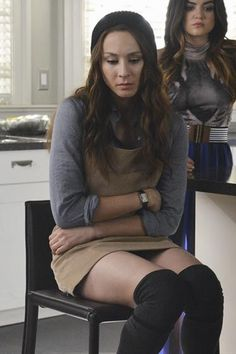 41 Best Pretty Little Liars Fashion Outfits- Clothes from Pretty Little Liars - Seventeen