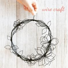 1 million+ Stunning Free Images to Use Anywhere Wire Crafts, Fun Crafts, Diy And Crafts, Arts And Crafts, Art Fil, Wire Wall Art, Wire Art Sculpture, Wire Flowers, Deco Originale