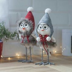 1 million+ Stunning Free Images to Use Anywhere Outside Christmas Decorations, Christmas Wood Crafts, Christmas Bird, Christmas Projects, Simple Christmas, Holiday Crafts, Christmas Ornaments, Decoration Originale, Diy Crafts