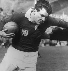 Rugby History : today 13/02 in 1970 - England 9-3 Ireland ...  News broke that Ireland wing Bill Brown was unable to play against England and would be replaced by veteran Lion turned businessman, Tony O'Reilly, for the next day's match with England. O'Reilly had not played a Test match since 1963 but started out wide as England nicked the points 9-3.