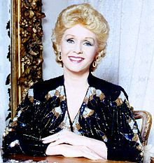 Debbie Reynolds - 4/1/32 - 12/28/16 RIP  Debbie Reynolds was Carrie Fisher's mother and passed away the day after her daughter...