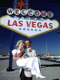 http://honeymoons.about.com/od/vegasweddings/ss/WeddingChapels.htm