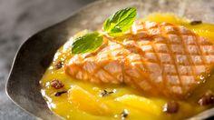Pstrąg łososiowy w pomarańczowo - rodzynkowym sosie