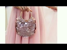 Diy necklace 650066527445549058 - sequined handbag Source by Leather Necklace, Diy Necklace, Jewelry Model, Wire Jewelry, Bag Crochet, Natural Stone Jewelry, Stylish Rings, Beaded Bags, Sweater Weather