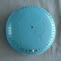 Daisy Winder - Teneriffe Lace Cushion - I wonder how it's made...