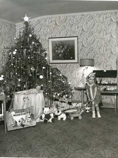 .This looks almost identical to the picture of my Christmas at 18 mos