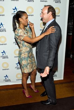 Pin for Later: Kerry Washington Is Everyone's Best Friend She Compares White House Dramas With Kevin Spacey