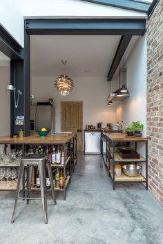 45 Beautiful Industrial Kitchen Style Inspirations - Page 10 of 50 Küchen Design, Design Case, House Design, Industrial Kitchen Design, Rustic Kitchen, Kitchen Flooring, Kitchen Furniture, Furniture Stores, Furniture Websites