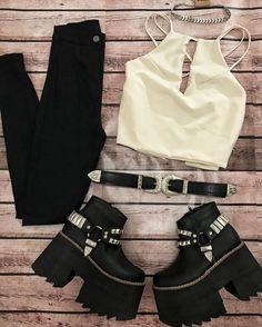 Discover recipes, home ideas, style inspiration and other ideas to try. Tumblr Outfits, Kpop Outfits, Teen Fashion Outfits, Grunge Outfits, Look Fashion, Girl Outfits, Womens Fashion, Fiesta Outfit, Cute Lazy Outfits