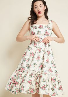 Collectif x MC Passion for Poise Midi Dress in Ivory Floral in 24 (UK) - Sleeveless Fit & Flare by Collectif from ModCloth Vintage Style Dresses, Unique Dresses, Vintage Outfits, Vintage Fashion, Punk Fashion, Lolita Fashion, Vintage Clothing, Day Dresses, Casual Dresses