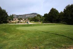 Pitch and Putt - golf Club Bonmont - Villa Marigolf Villa, Putt Putt, Pitch, Golf Clubs, Golf Courses, Spain, Earth, Miniature Golf, Fork