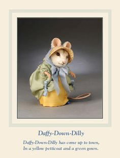 """DAFFY DOWN DILLY. From the """"House that Mouse Built"""" event at the anniversary R. John Wright Convention Edition Notes: Limited Edition: First piece in the Mother Goose Mice Collection. Needle Felted Animals, Felt Animals, Needle Felting, Cute Animals, Beatrix Potter, John Wright, Felt Mouse, Cute Mouse, Felting Tutorials"""