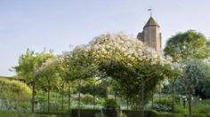 Also check out http://www.invectis.co.uk/sissing/    This site has loads of stunning photos of Sissinghurst and other English gardens, but I couldn't pin it.