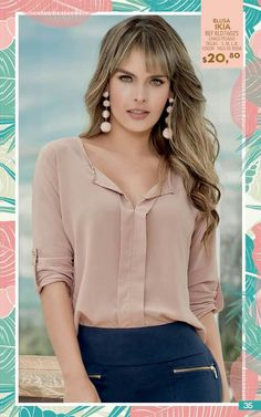 Vestid Blouse Styles, Blouse Designs, Classy Outfits, Casual Outfits, Super Moda, Beautiful Blouses, Blouse Dress, Casual Looks, Fashion Dresses