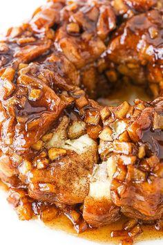 Homemade Monkey Bread, Cinnamon Monkey Bread, Apple Monkey Bread, Apple Bread, Apple Cake, Monkey Bread Easy, Apple Fritter Recipes, Apple Fritter Bread, Breakfast