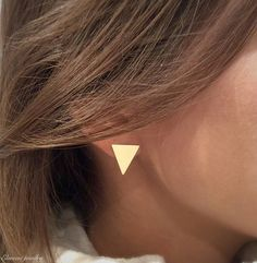 Beautiful and everyday geometric stud earrings, made of high quality 18K gold plated. Comes with silicone backs. Minimalist and simple everyday