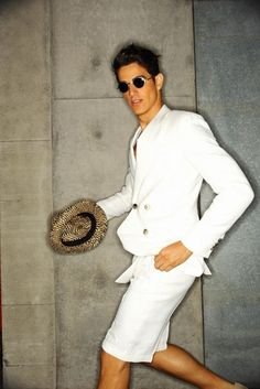 Discover the all-white party and casual trend with the top 40 best all white outfits for men. Explore cool clean styles and fashionable looks. Giorgio Armani, White Outfit For Men, Versace, Hip Hop, Casual Trends, Ray Ban Wayfarer, Ray Ban Aviator, White Suits, Ray Ban Sunglasses